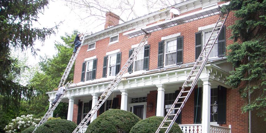 circa-2007-Maryland-Half-Round-gutter-installation