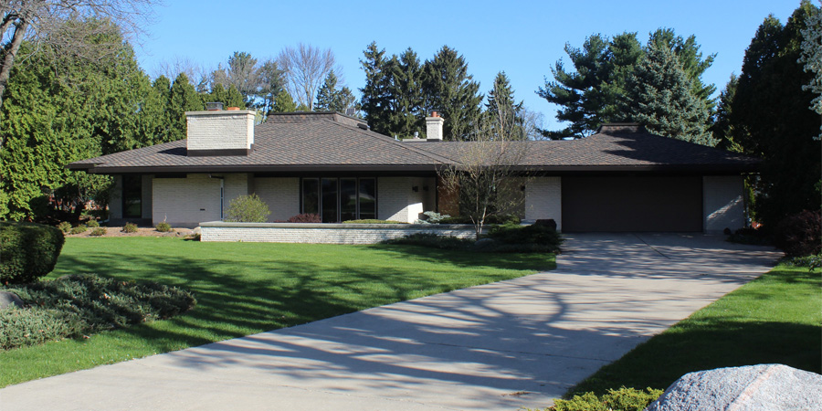 Shingles-and-Gutters-installed-on-a-Frank-Lloyd-Wright-home-in-Madison-WI